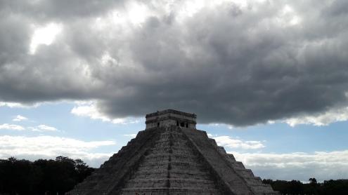 The Pyramid of Kukulcan EL Castillo